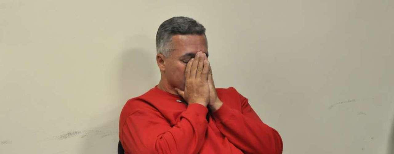 22 de abril - Ex-policial Bola duranteo primeiro dia de seu julgamento no Fórum de Contagem, em Minas Gerais
