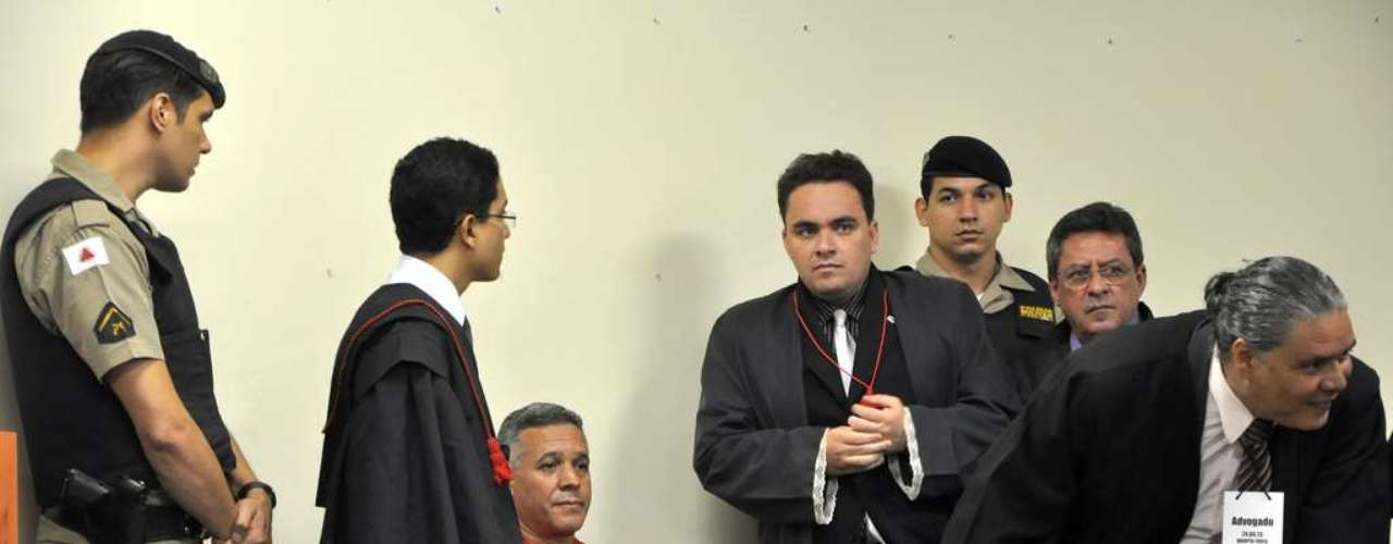 24 de abril - Julgamento do ex-policial Bola chega no terceiro dia no Fórum de Contagem (MG), região metropolitana de Belo Horizonte