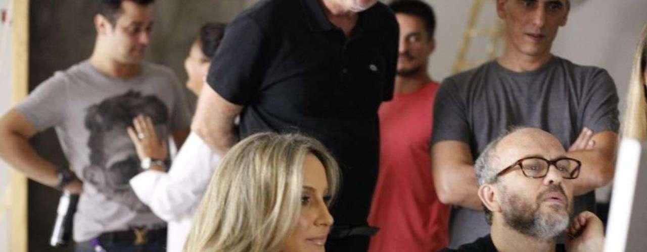 Mãe de Davi e Rafael, frutos do relacionamento com Márcio Pedreira, Claudia posou em um estúdiona capital paulista