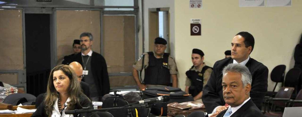 25 de abril - No início da sessão desta quinta-feira, delegado Edson Moreira prosseguiu com o seu depoimento, iniciado ainda ontem