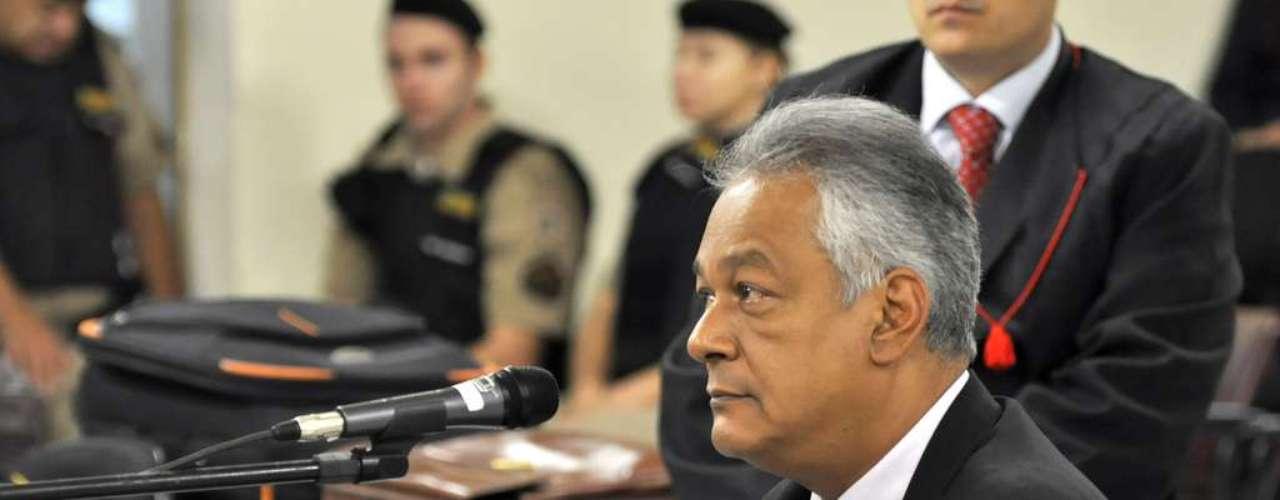 25 de abril - Depoimento de Moreira prosseguiu nesta quinta-feirapor conta de um pedido do advogado de Bola, Ércio Quaresma, que alegou cansaço na sessão de ontem