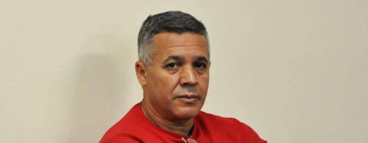 26 de abril - O quinto dia de julgamento do ex-policial Marcos Aparecido dos Santos, o Bola, no Fórum de Contagem, foi reservado para a leitura de peças do processo