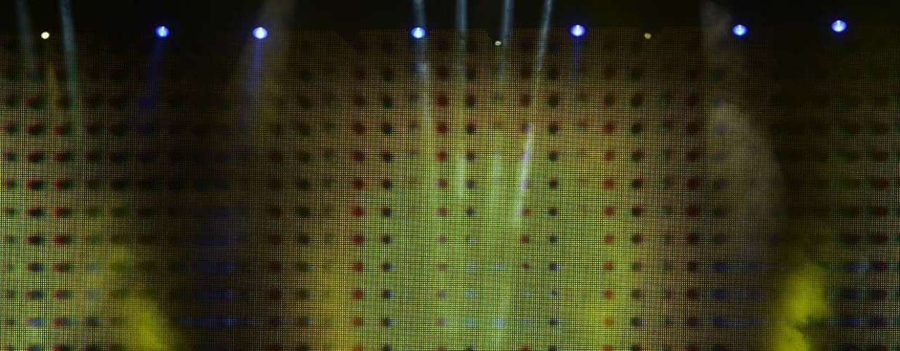 Paul McCartney abriu, na noite deste sábado (4), sua nova turnê mundial, Out There!, com show no estádio do Mineirão, em Belo Horizonte. Simpático, o ex-beatle não decepcionou os fãs, que lotaram o estádio para ouvir grandes clássicos da carreira solo do músico e do quarteto de Liverpool