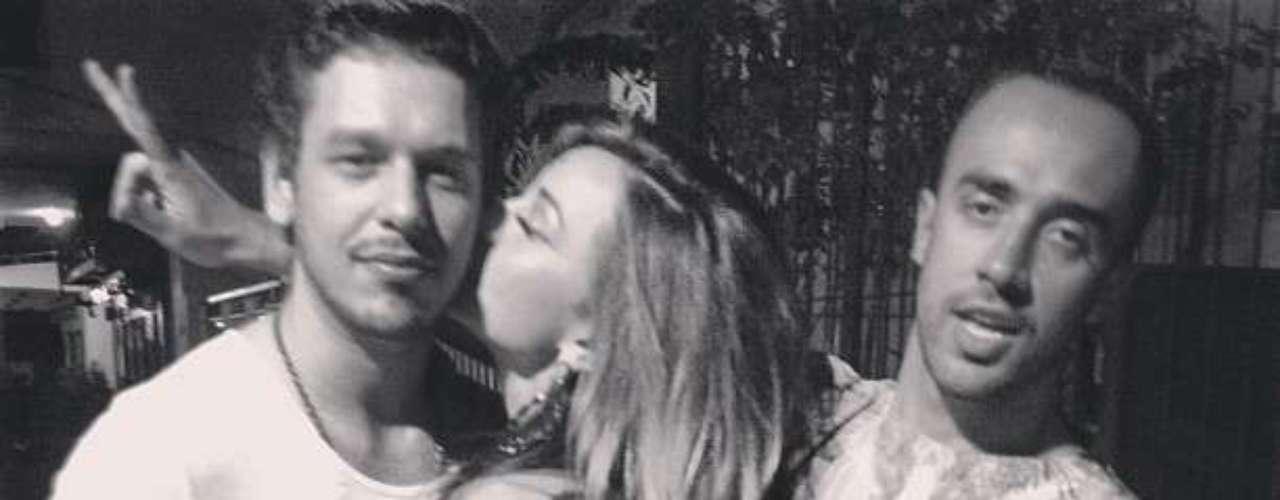 Sabrina Sato está namorando com o publicitário João Vicente Castro. Um amigo postou uma foto do casal
