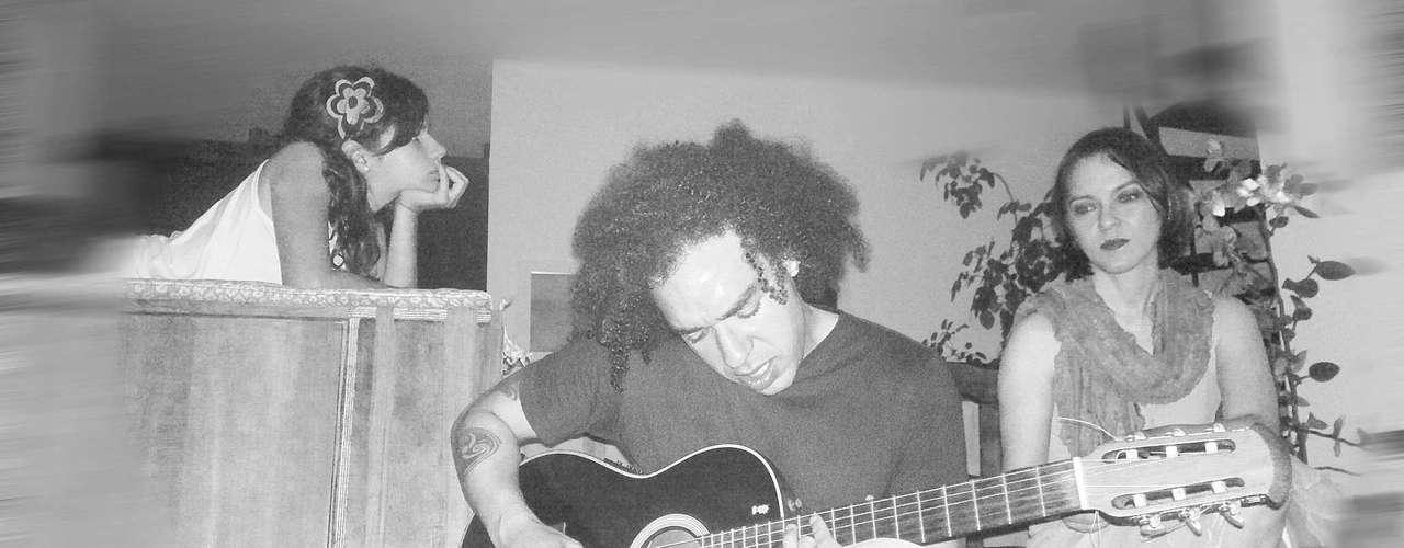O guitarrista Peu Sousa, 35 anos, ex-integrante da banda da cantora Pitty, foi encontrado morto no último domingo(5)