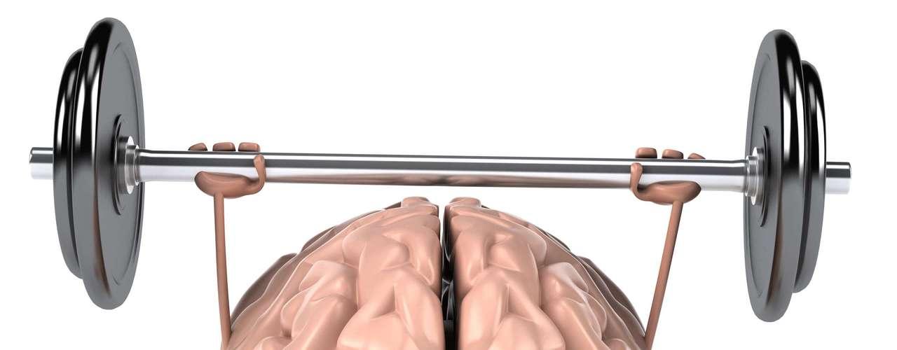 Ajuda na saúde do cérebro Graças à boa dose de vitamina E que as oleaginosas oferecem, são consideradas alimentos para o cérebro, ajudando a diminuir o declínio cognitivo com a idade. Além de proteger contra problemas associadas à idade, oBritish Journal of Nutritionpublicou um estudo que diz que nozes podem melhorar a memória de trabalho (memória de curto prazo), resolução de problemas e função motora. Os testes foram realizados em ratos