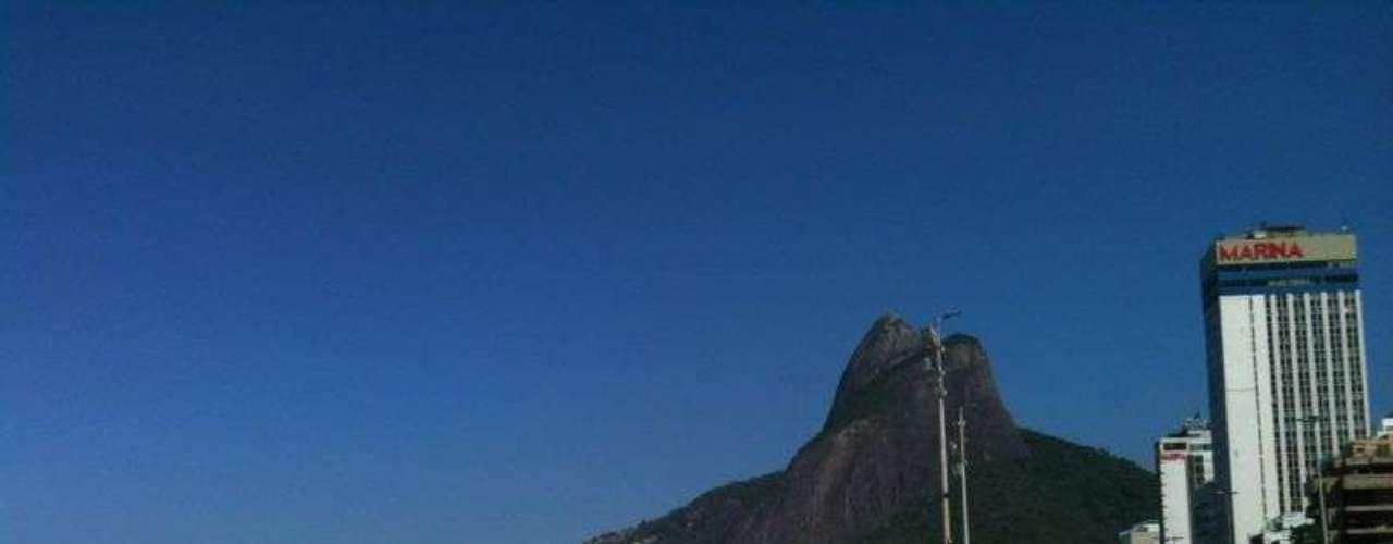 9 de maio -Por volta das 10h, o céu estava azul no Leblon, zona sul do Rio de Janeiro