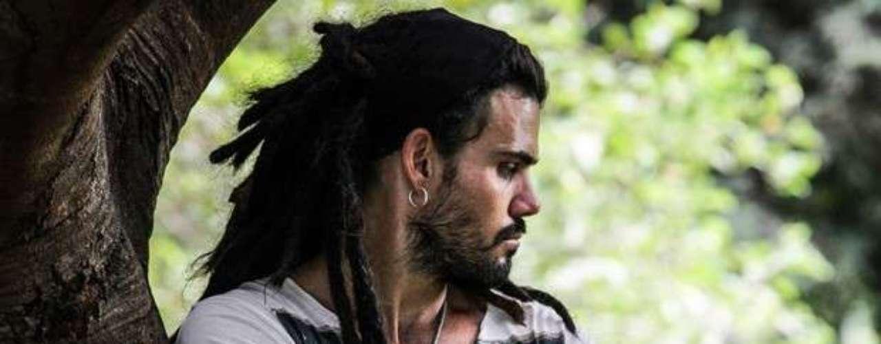 Ninho (Juliano Cazarré)  Charmoso e de caráter elástico, vive com um pé na marginalidade. É o pai da filha de Paloma