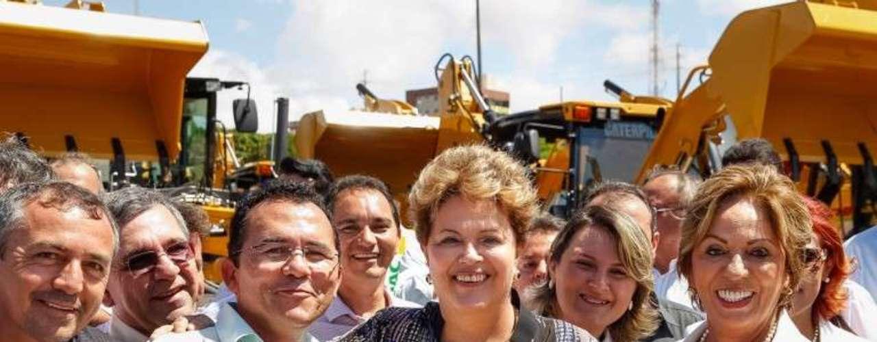 O governo potiguar informou que as máquinas doadas representam um investimento federal de R$ 81,6 milhões e vão atender 89,22% dos municípios e 79,45% da população rural do Estado, o que equivale a 560 mil famílias a serem beneficiadasta segunda-feira