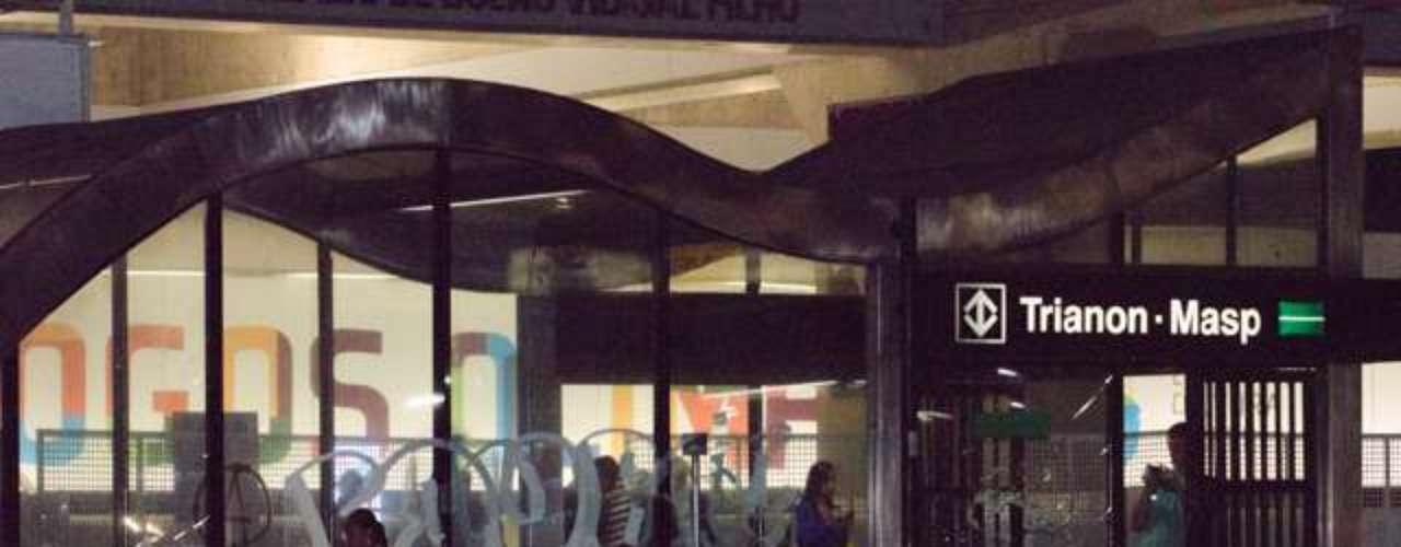 6 de junho -A estação Trianon-Masp também foi alvo dos manifestantes