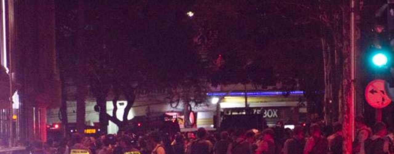 6 de junho -Manifestantes chegaram a entrar no Shopping Pátio Paulista