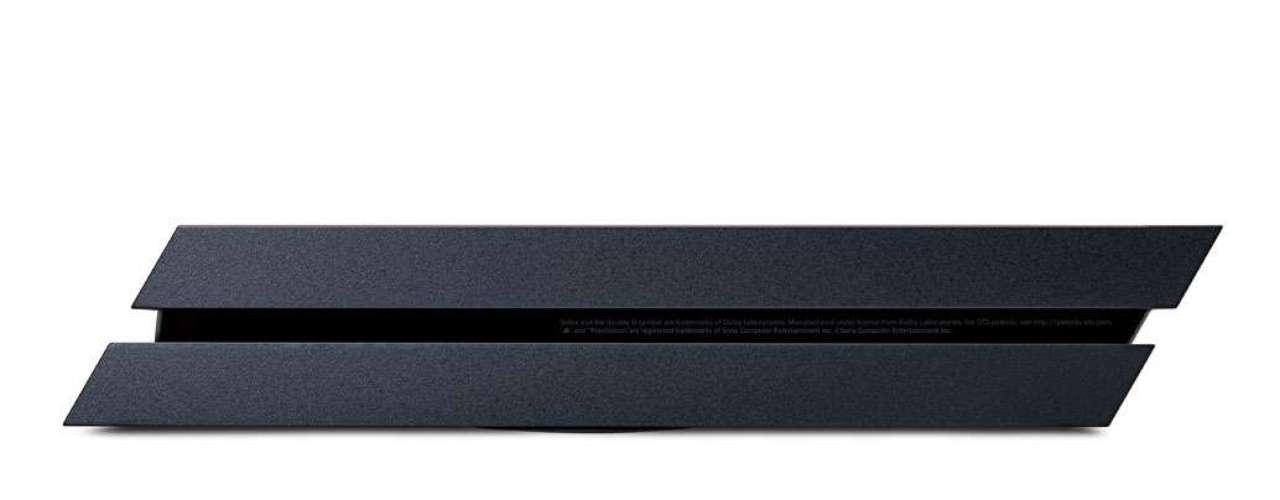 Olhando de lado, o PS4 possui cortes perpendiculares