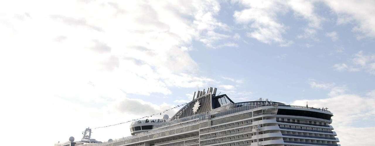 Outro navio da companhia usado como set de filmagens recentemente foi o MSC Fantasia, onde se passam cenas de La Croisiere, comédia francesa