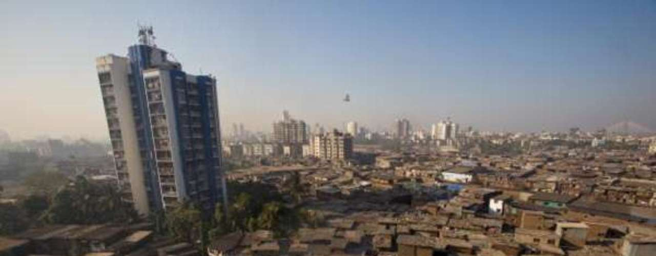 2° - Mumbai, Índia - Empatada com Karachi em primeiro lugar na lista das cidades mais baratas do mundo, Mumbai, na Índia, é um dos lugares com o quilo de pão mais barato entre os pesquisados: US$ 0,86. O preço parece ainda menor se comparado ao encontrado na cidade com maior custo de vida, Tóquio, onde o custo médio do produto é US$ 9,06.