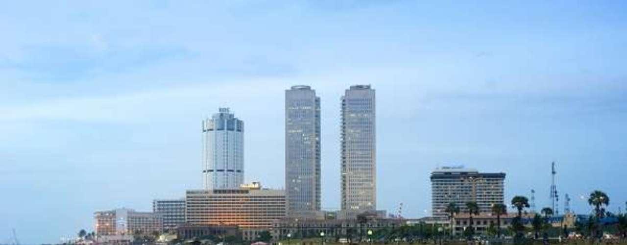 7° - Colombo, Sri Lanka - Sede dos poderes Judiciário e Executivo do Sri Lanka, Colombo é também a maior cidade do país. Além disso, tem um importante porto, onde transita parte significativa dos produtos de exportação da ilha, como chá, borracha, óleo de coco e pedras preciosas. Uma rúpia do Sri-Lanka, moeda local, vale US$ 0,01.