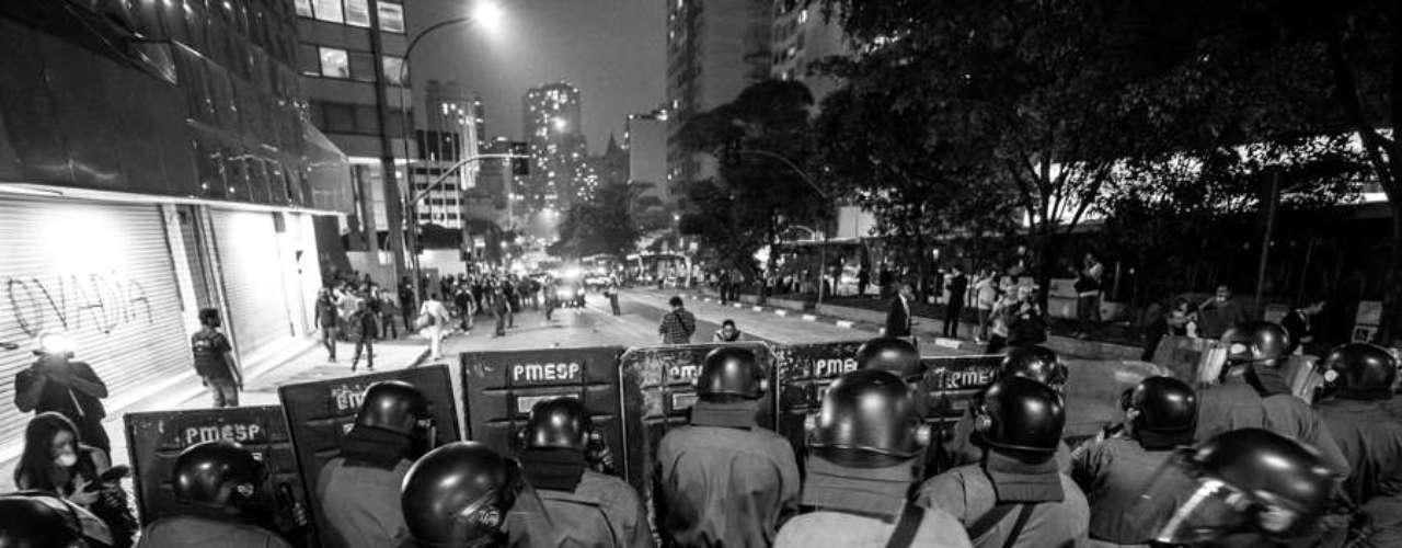 13 de junho - Tropa de Choque age na região central da capital