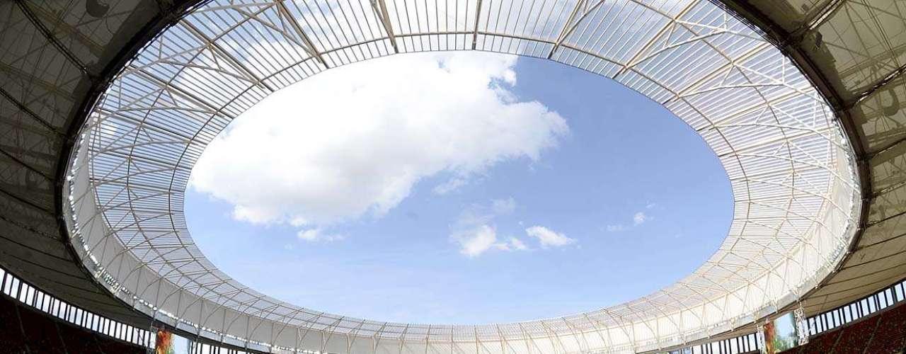Os portões do Estádio Nacional de Brasília foram abertos às 12h para o público