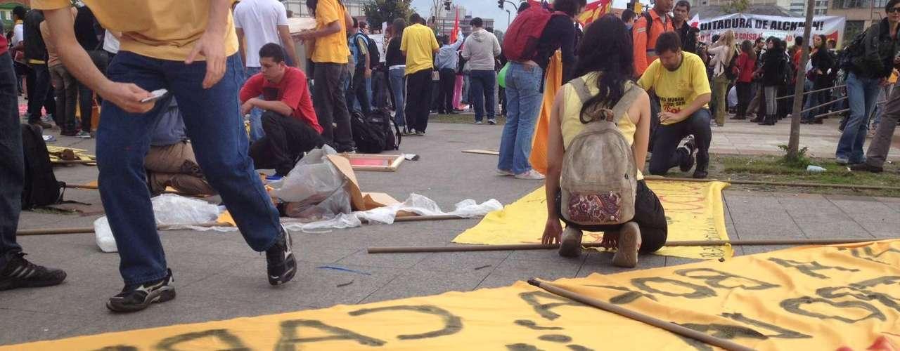 17 de junho - Apontado como 'vilão' em protestos anteriores, vinagre marca presença no quinto dia de manifestações em São Paulo