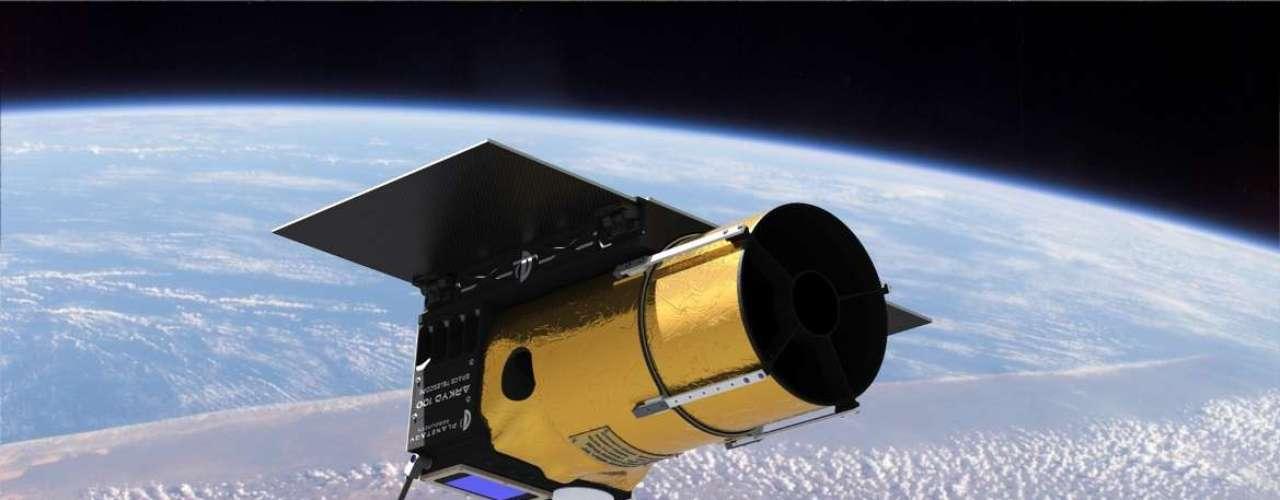 A Planetary Resources, companhia americana que pretende minerar asteroides, criou campanha de crowdfunding para desenvolver um telescópio espacial de uso compartilhado. O diferencial não reside na tecnologia do Arkyd 100, como foi batizado o telescópio, mas em seu sistema de financiamento público, via Kickstarter, até então inédito para essa finalidade. O projeto arrecadou mais deUS$ 1 milhão