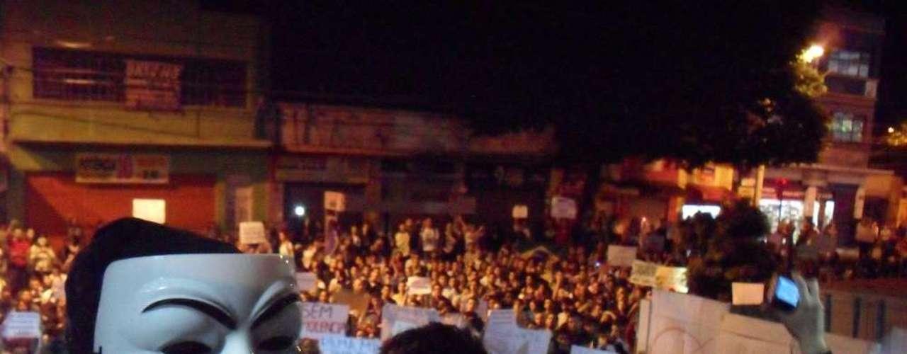 17 de junho Em Bauru, manifestante impediram que vereadores deixassem a Câmara durante o protesto