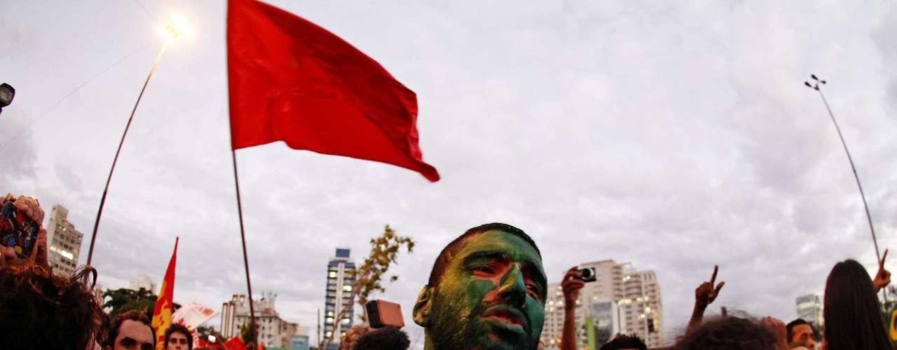 17 de junho A manifestação em São Paulo se dividiu em 3 grupos nesta segunda-feira