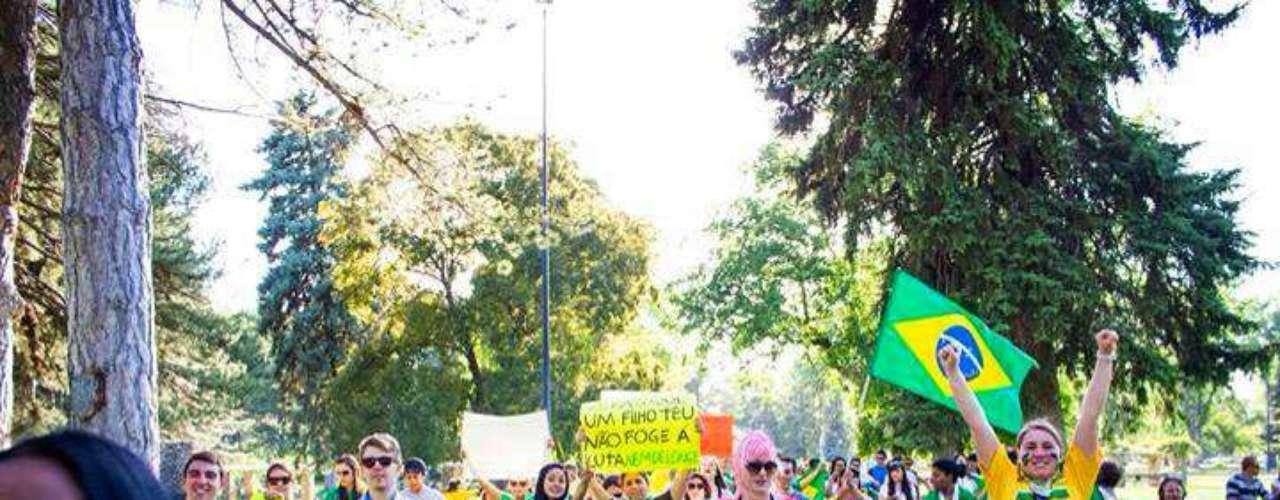 18 de Junho- Mais de 300 pessoas participaram de uma manifestação no Liberty Park em Salt Lake City, no Estado de Utah, nos EUA. O protesto começou por volta das 17h (horário local) e durou por volta de duas horas