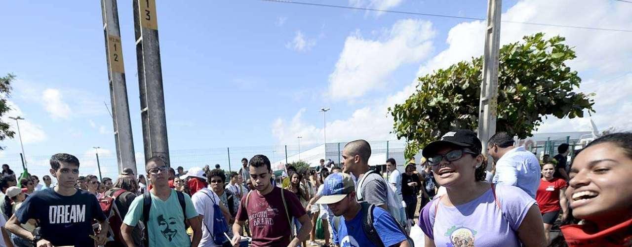 A onda de protestos que já atinge várias capitais brasileiras vem incorporando diversas causas