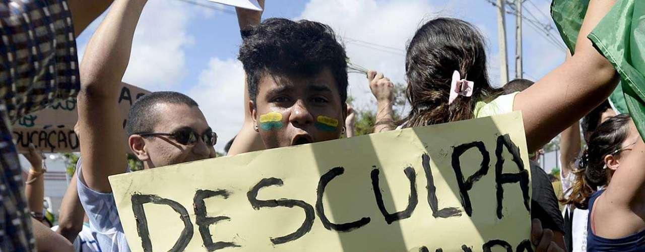 No entanto, algumas pessoas expressam o descontentamento com o governo Dilma