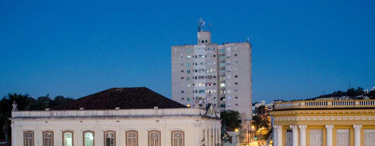 18 de junho -  Em São João del Rei (MG), jovens também foram às ruas protestar contra o aumento da passagem de ônibus
