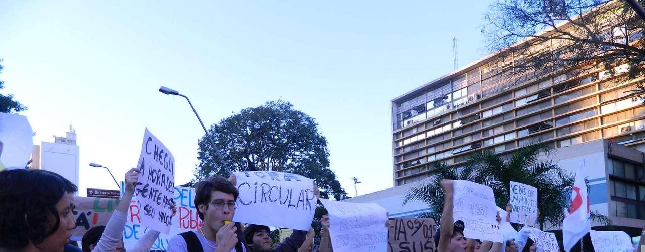 18 de junho - A Polícia Militar de Marília (SP) acompanhou a passeata de longe e não houve confrontos