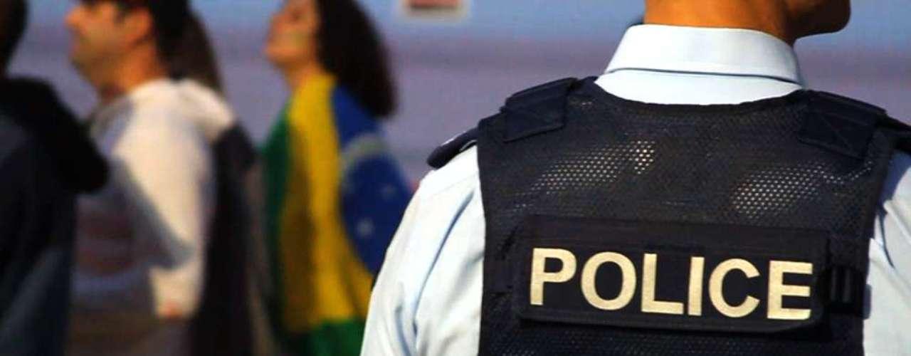 18 de Junho -Em Gold Coast, na Austrália, brasileiros foram às ruas demostrar apoio às manifestações que tomaram conta de São Paulo e do restante do País