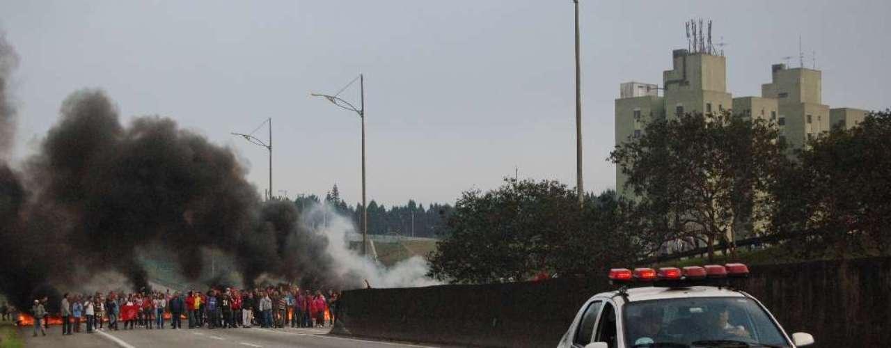 19 de junho- Protesto interditoua rodovia Anchieta, no sentido São Paulo, por cerca de duas horas