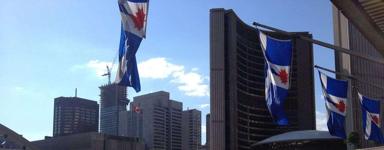 18 de junho -Brasileiros mostraram descontentamento também em Toronto, no Canadá