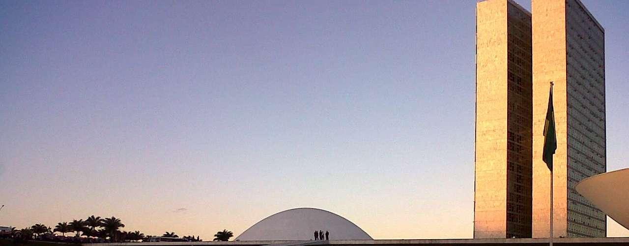 20 de junhoPoliciais protegem o Congresso, em Brasília