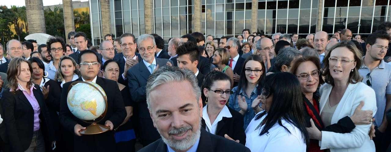 21 de junho -  O ministro das Relações Exteriores, Antonio Patriota, participou nesta sexta-feira de um ato contra o vandalismo praticado ontem no Palácio do Itamaraty, sede da pasta em Brasília