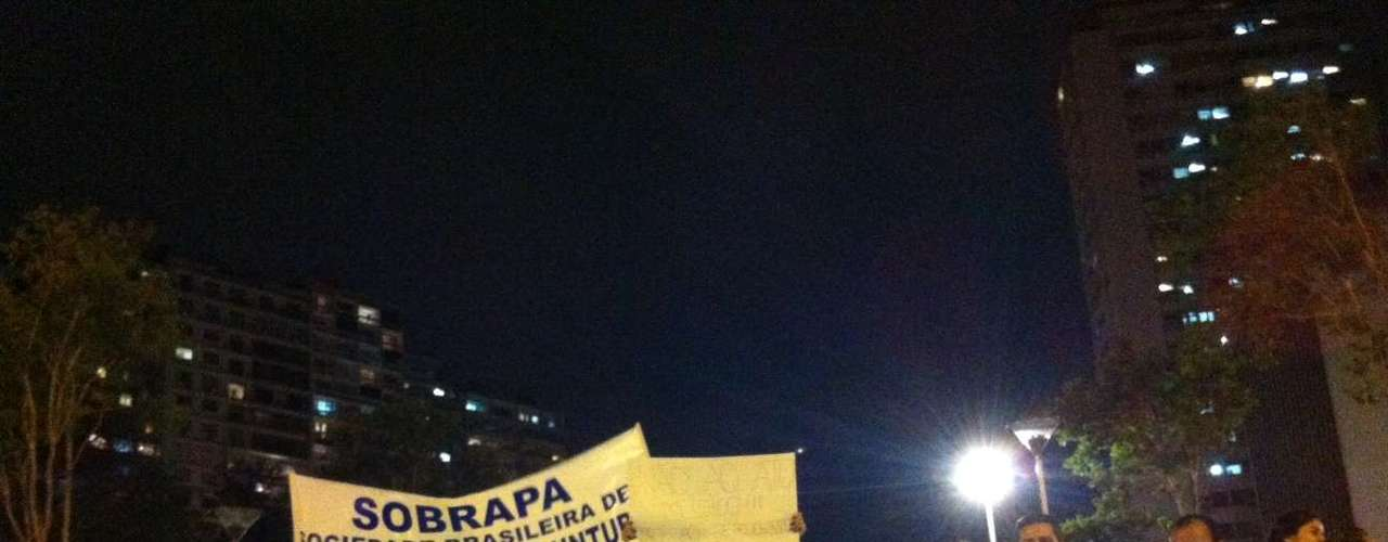 21 de junho - Manifestantes contrários ao Ato Médico em Guarulhos