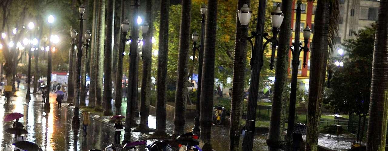 24 de junho -A ideia era ir em passeata até a frente da Assembleia Legislativa do Estado de São Paulo (Alesp), no Parque do Ibirapuera
