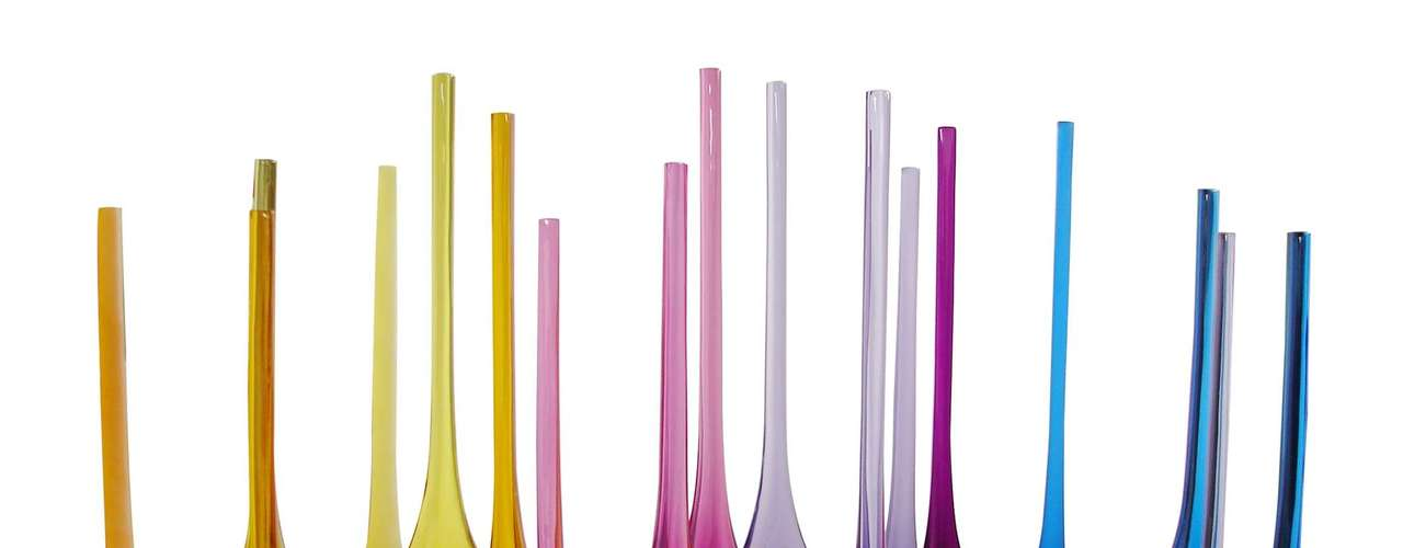 As cores das garrafas Butterfly dão um ar de contemporaneidade aos ambientes. Assinadas pela designer Francisca Junqueira, custam R$ 360 (tamanho grande). Informações: (11) 4195-5163