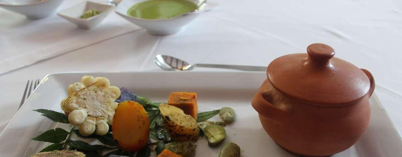 Pachamanca O prato é um cozido de diferentes tipos de carne e legumes. O detalhe especial é que os ingredientes são preparados embaixo da terra, em um buraco cavado no chão