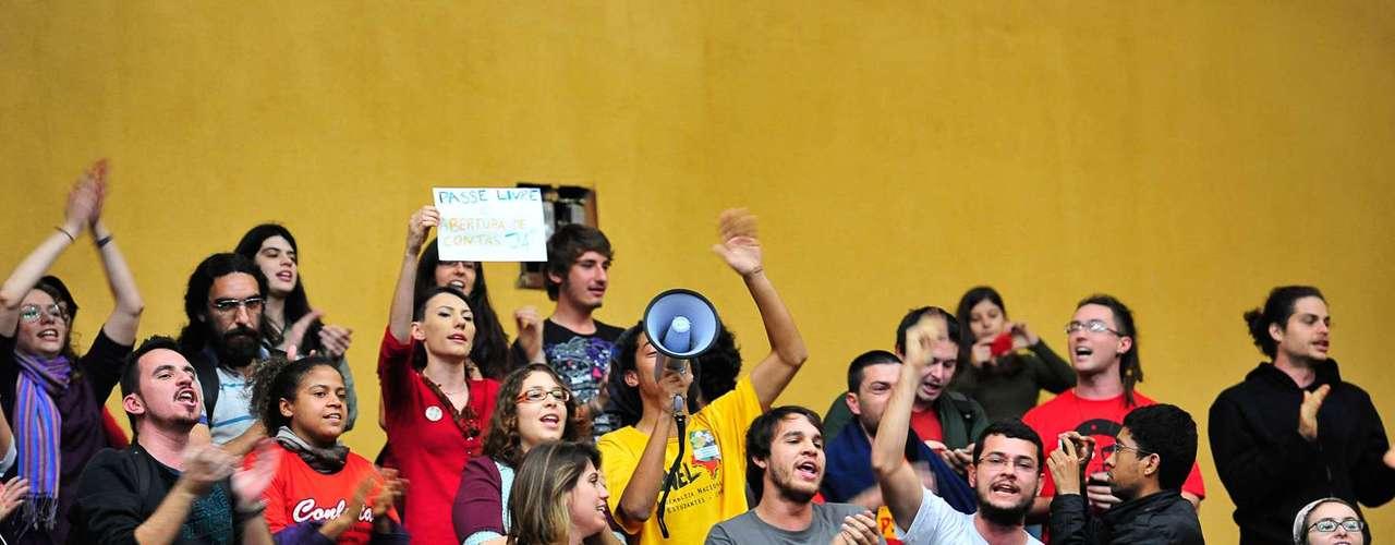 10 de julho -A intenção dos movimentos é fazer uma assembleia popular na Câmara às 20h