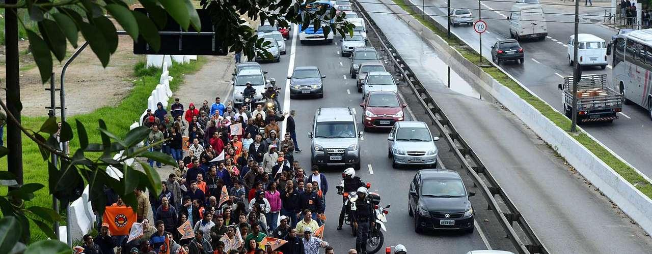 São Paulo Sindicatos e movimentos sociais unificaram uma pauta que cobra o avanço do Brasil