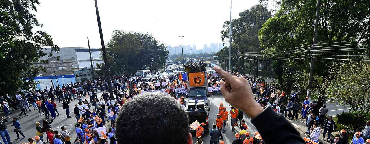 São Paulo O Dia Nacional de Lutas foi convocado pelos sindicatos para aderir aos protestos por melhores serviços públicos que ocorreram no País