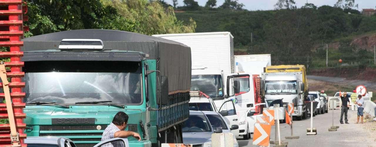 Aracaju De acordo com a polícia, o trânsito ficou complicado nas imediações dos municípios da Japaratuba, Itaporanga D'Ajuda, Malhada dos Bois, Frei Paulo e Propriá