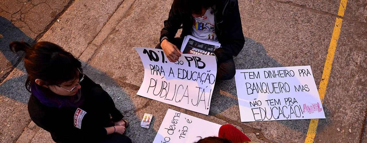 São Paulo Na sexta-feira, está marcada uma nova reunião com as centrais sindicais pra definir se a mobilização continua