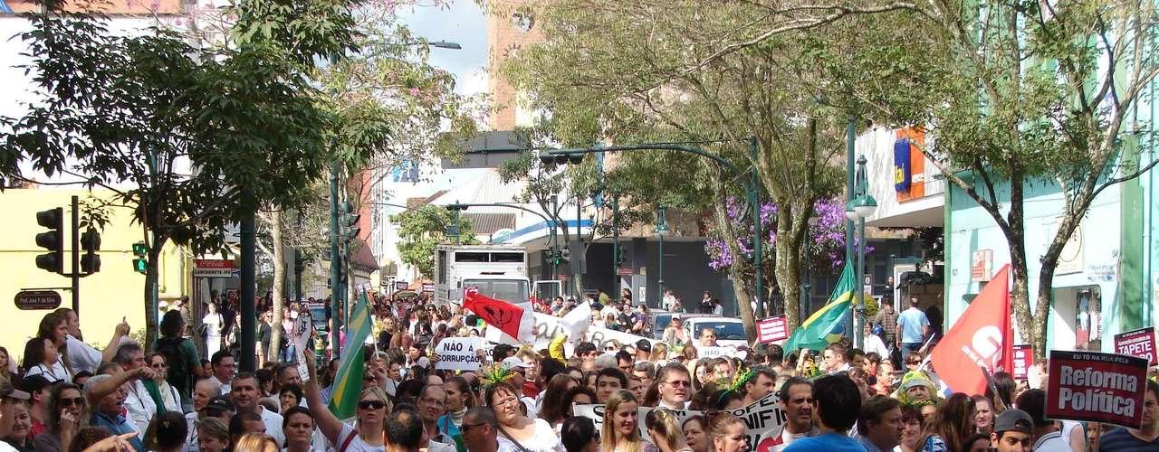 Blumenau Blumenauenses aderiram ao Dia Nacional de Luta dos Trabalhadores