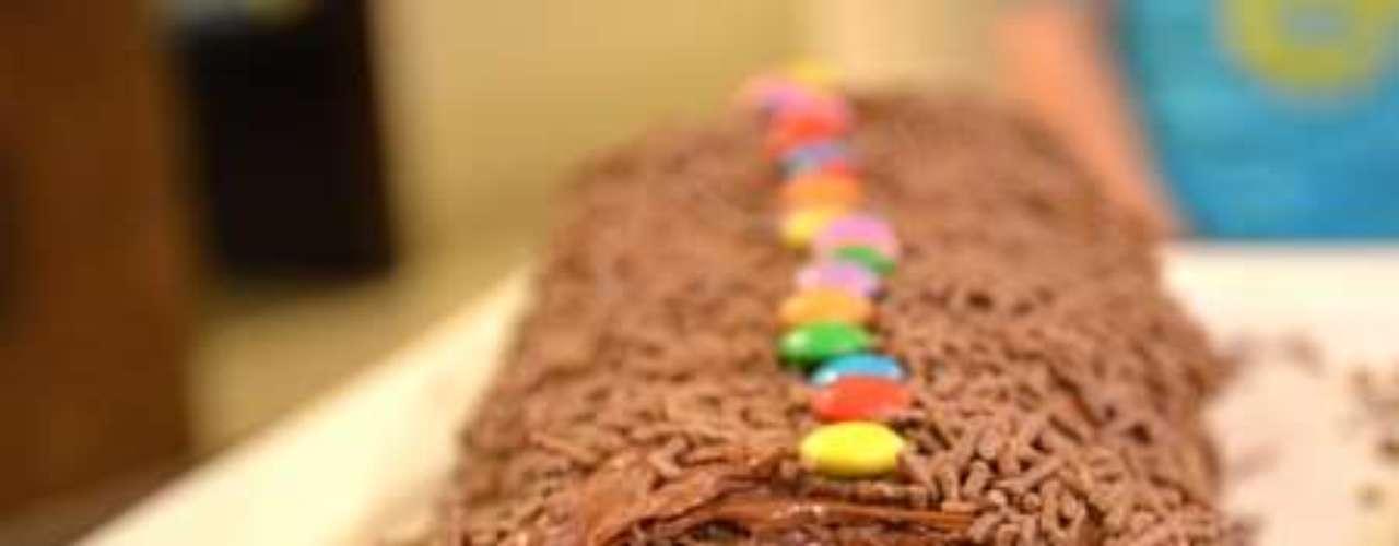 Rocambole de chocolate sem farinha.