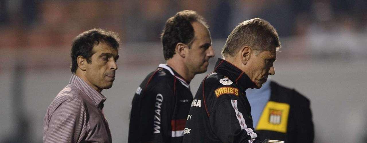 Técnico Paulo Autuori segue sem vencer à frente do São Paulo