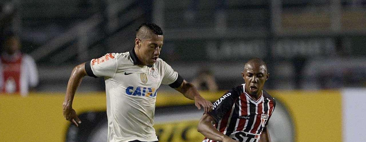 No segundo tempo, São Paulo pouco evoluiu e continuou sofrendo pressão
