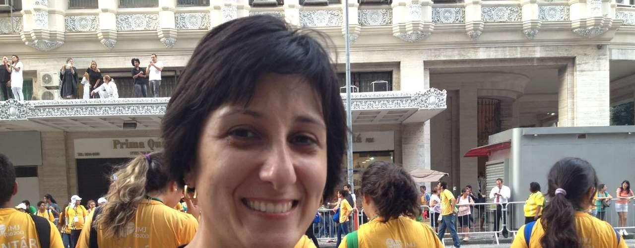 22 de julho - A paulistana Samantha Aride lembrou da emoção de presenciar a visita do papa emérito Bento XVI