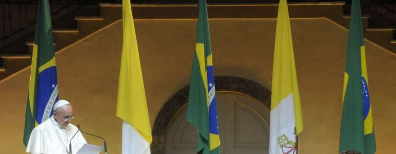 22 de julho -A presidente Dilma Rousseff acompanha o discurso do papa Francisco, no Palácio Guanabara
